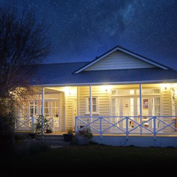 Olivers Farmstay bed and breakfast night time photo with the stars